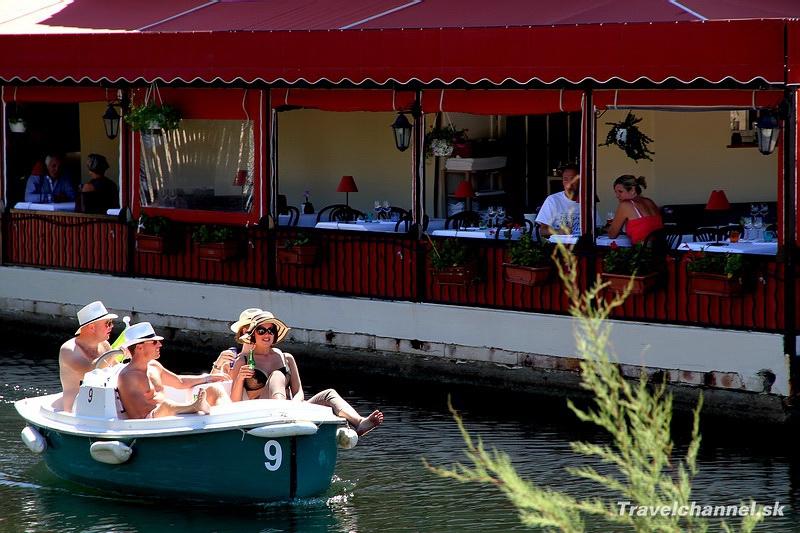 Franc zske ben tky port grimaud travel channel - Restaurant la table du mareyeur port grimaud ...